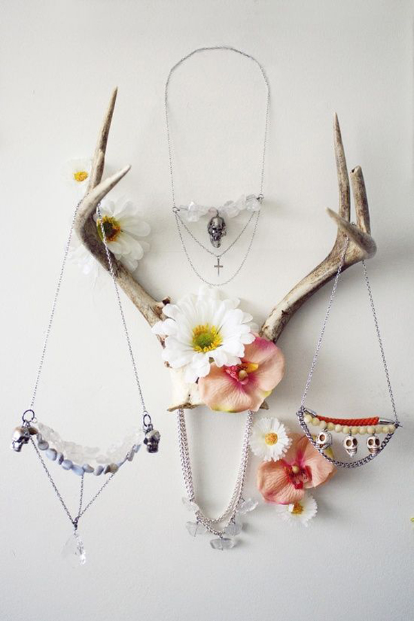 12 Beautiful Ways To Store Your Jewelry // Antlers