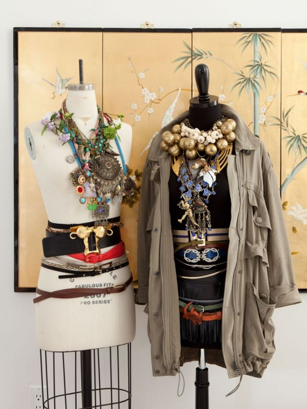 12 Beautiful Ways To Store Your Jewelry// The glamourai jewelry storage on Mannequins