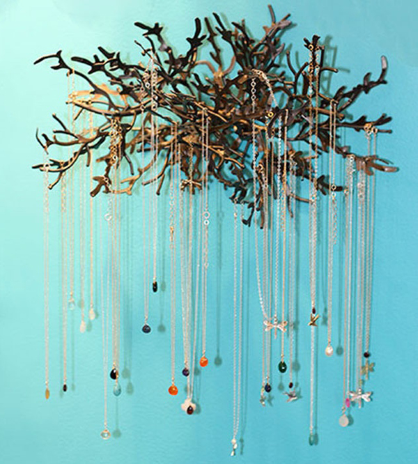 12 Beautiful Ways To Store Your Jewelry // Wood branches