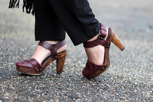burgundy clogs