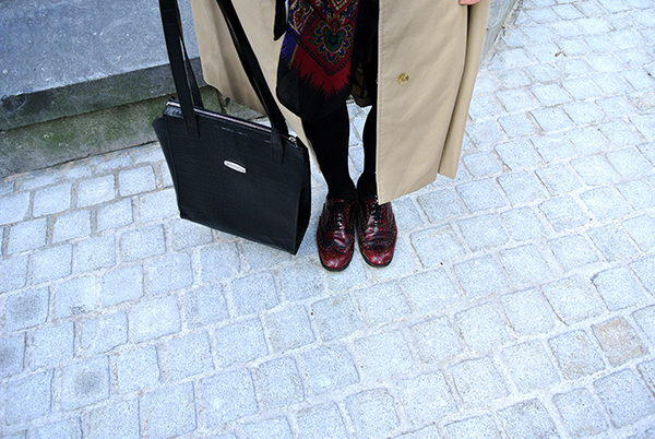 Vintage burberry trench, Mulberry bag and scarf