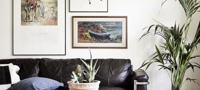 5 tips for styling a leather sofa
