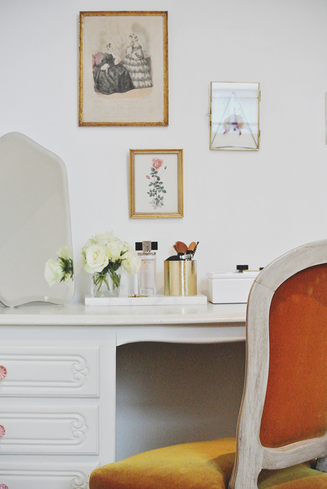 5 Tips to Style your Vanity Table via noglitternoglory.com