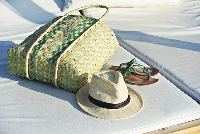 Varadero Beach - beach accessories // noglitternoglory.com