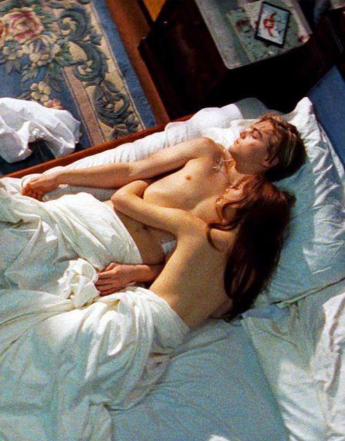 Get the look: Romeo + Juliet // Interior inspiration from Baz Luhrmann's 1996 masterpiece