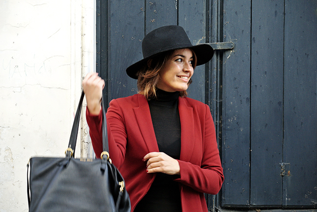 Burgundy red blazer and all black via noglitternoglory.com
