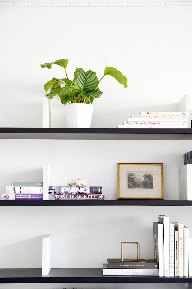 10 Tips for Styling your Shelves via noglitternoglory.com