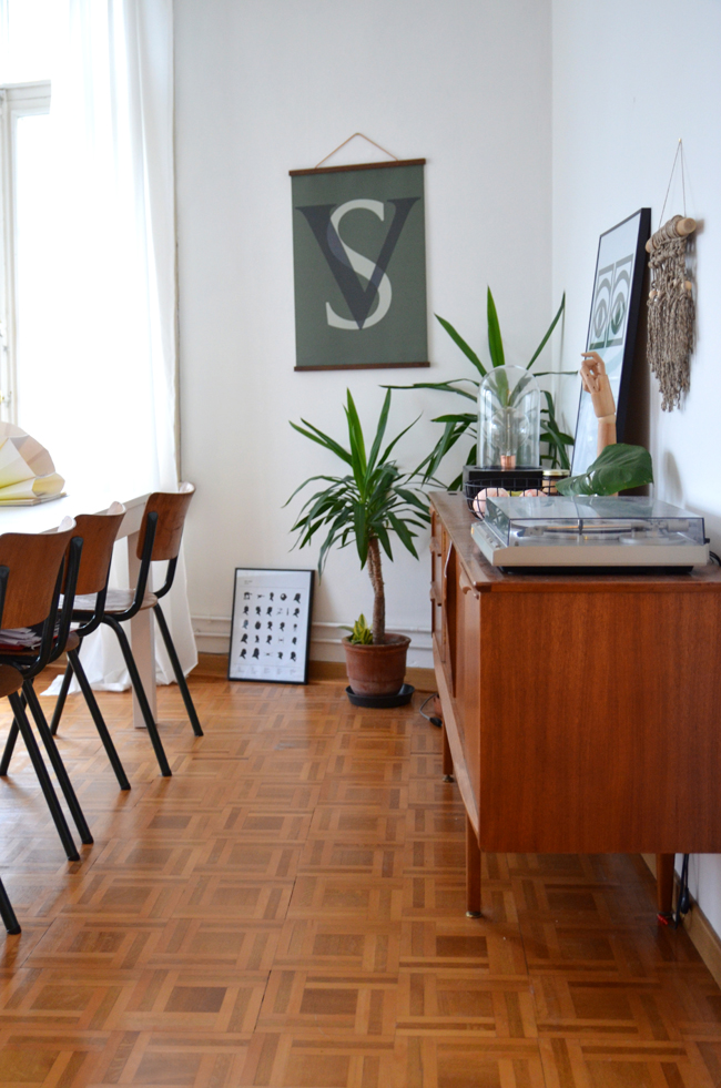 Young Creatives: Sofie Vertongen // Inside her home and studio// Beautiful midcentury credenza - via noglitternoglory.com