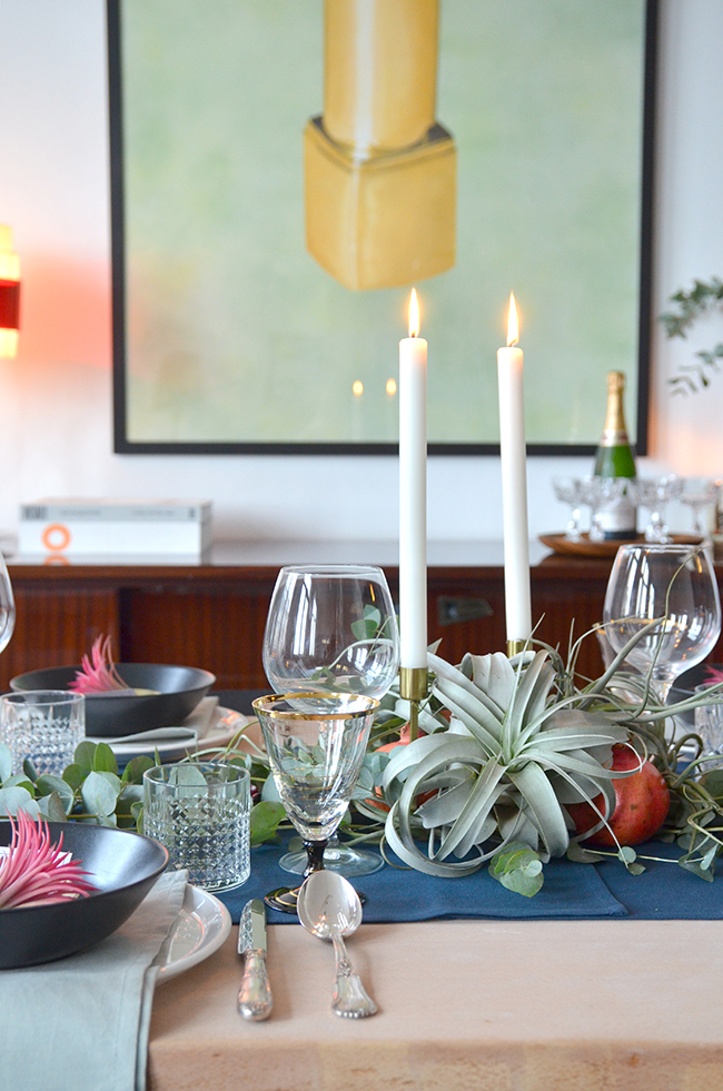 Festive Holiday Table with Air Plants // noglitternoglory.com