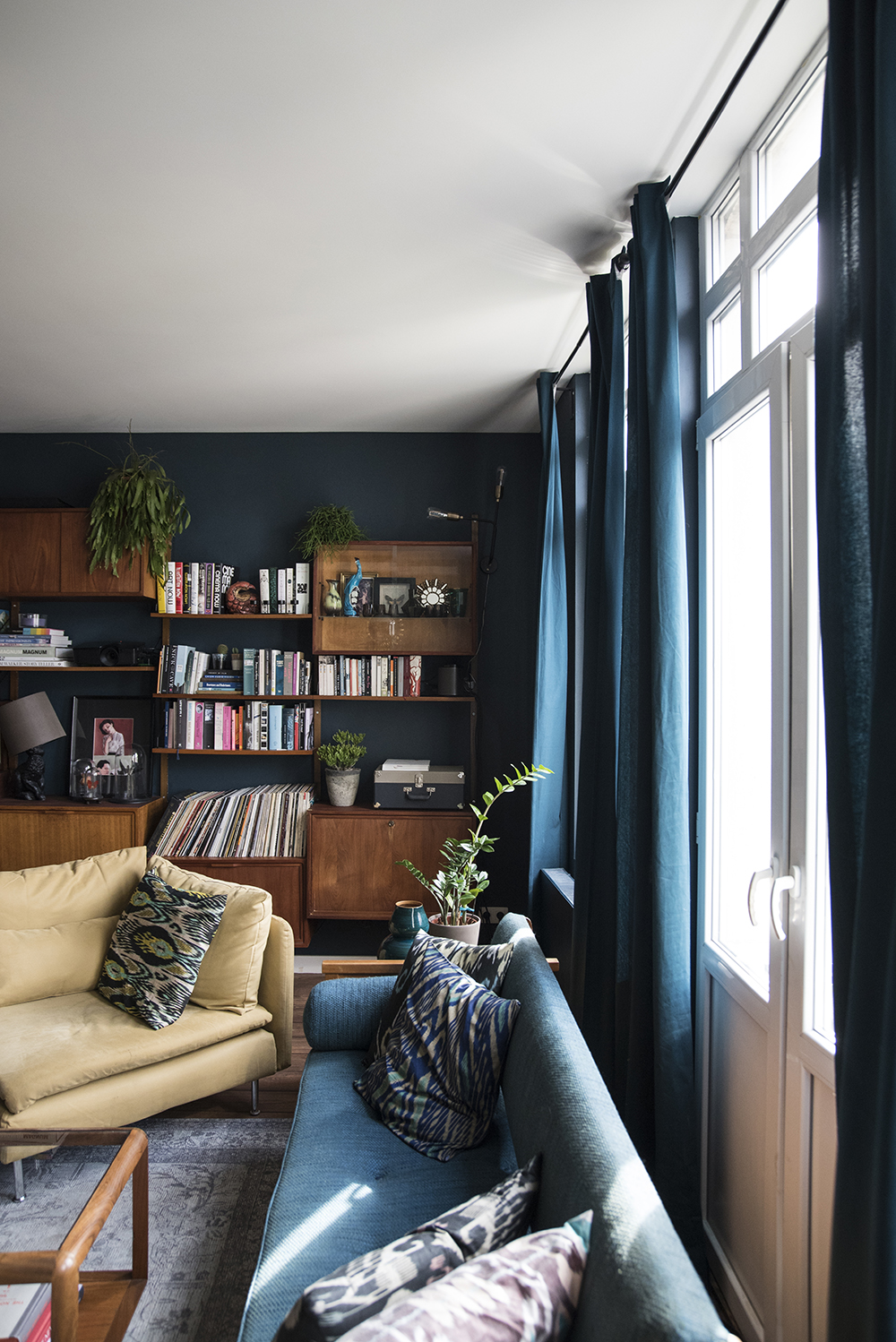 Sarah's Wonderful Moody Antwerp Abode // Living room in Farrow and Ball Hague Blue
