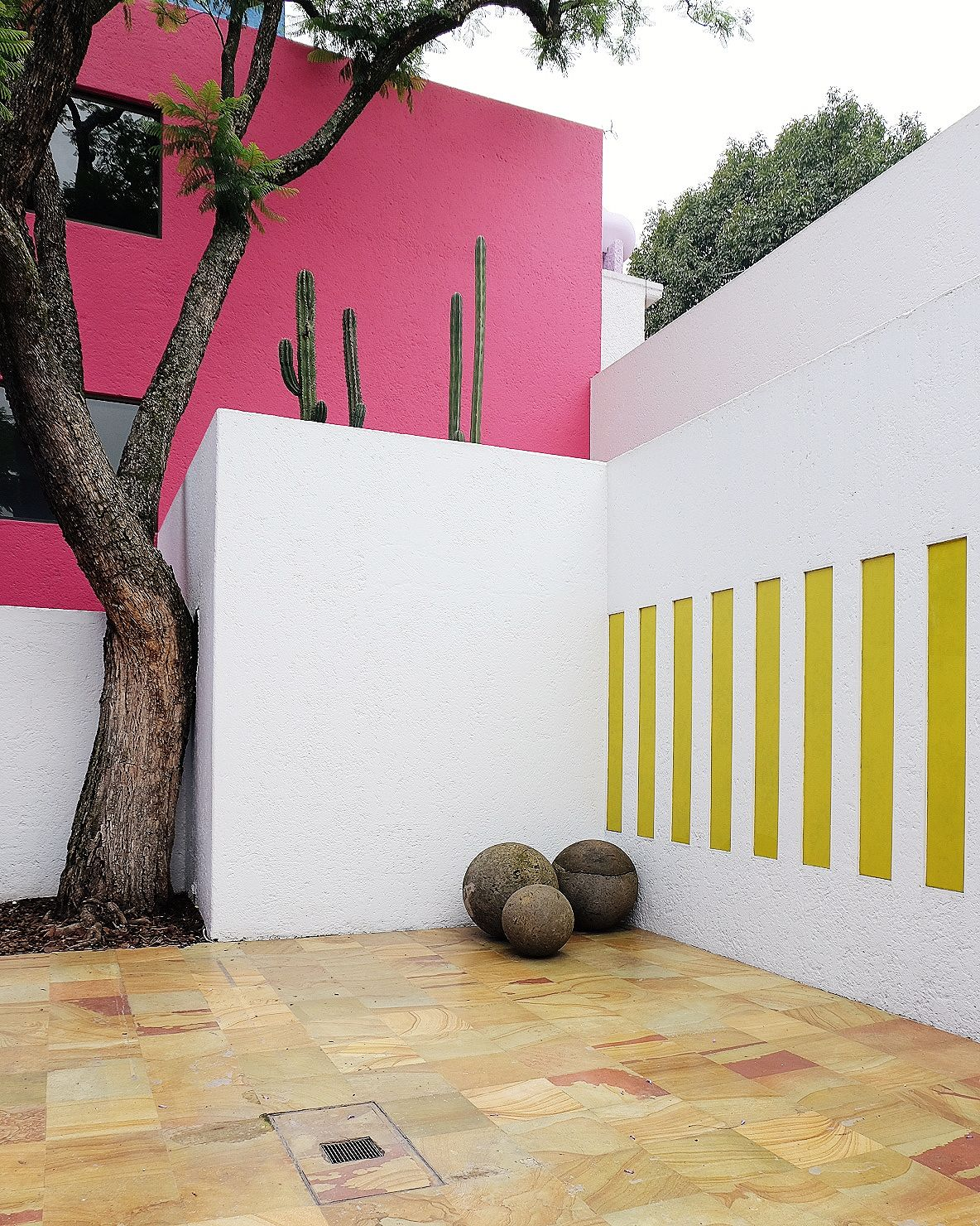 Mexico City - Luis Barragan Casa Gilardi - No Glitter No Glory